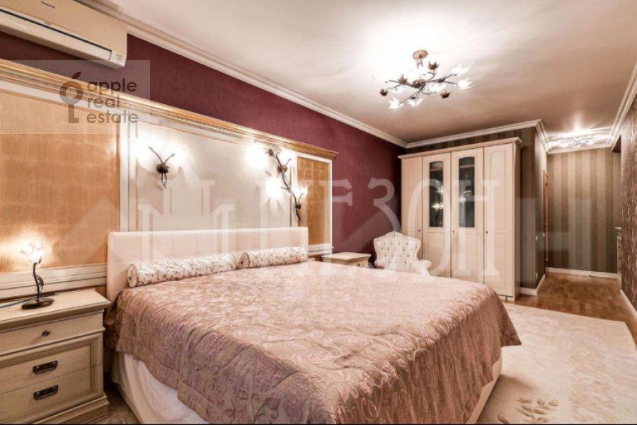 Bedroom of the 4-room apartment at Leninskiy prospekt 128K1