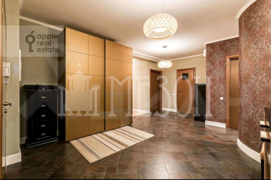 Corridor of the 4-room apartment at Leninskiy prospekt 128K1