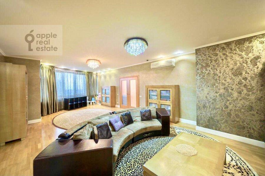Гостиная в 4-комнатной квартире по адресу Ленинский проспект 128К1