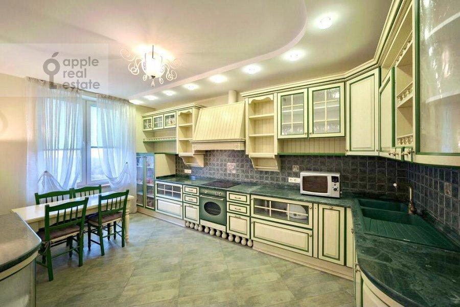 Кухня в 4-комнатной квартире по адресу Ленинский проспект 128К1