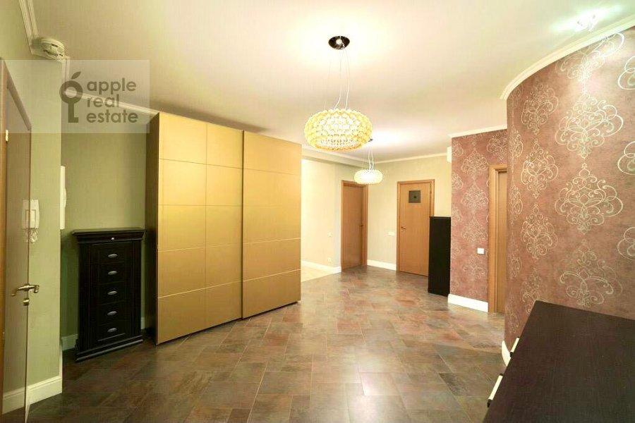 Гардеробная комната / Постирочная комната / Кладовая комната в 4-комнатной квартире по адресу Ленинский проспект 128К1