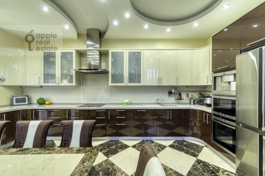 Kitchen of the 5-room apartment at Voskresenskaya ulitsa 4/28A