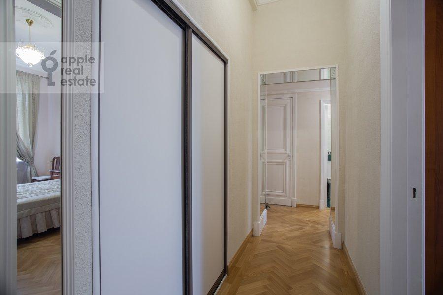 Corridor of the 2-room apartment at Kudrinskaya ploshiad' 1