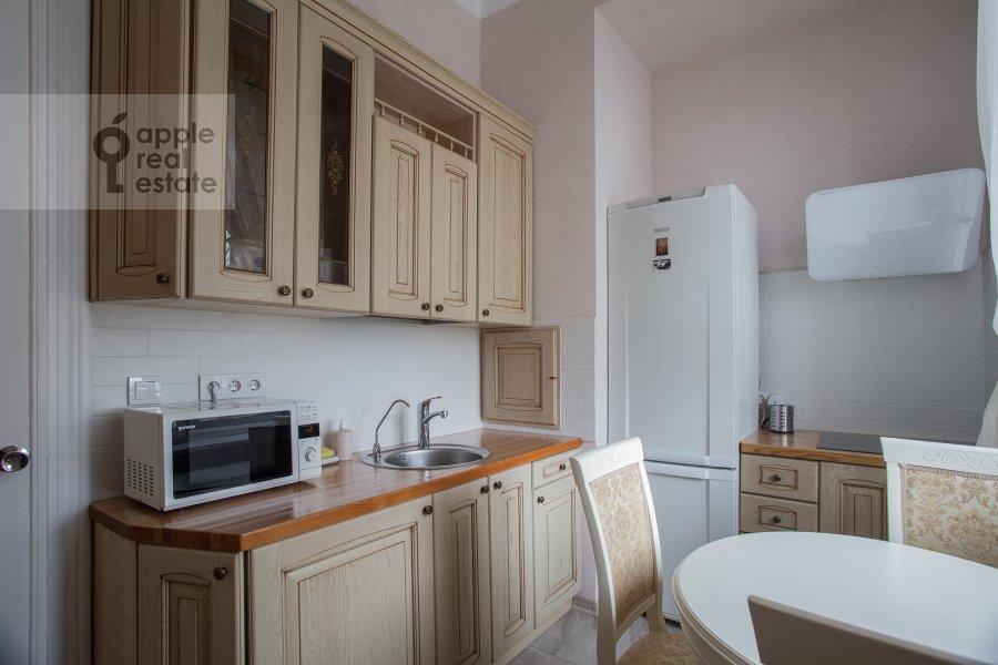 Kitchen of the 2-room apartment at Kudrinskaya ploshiad' 1