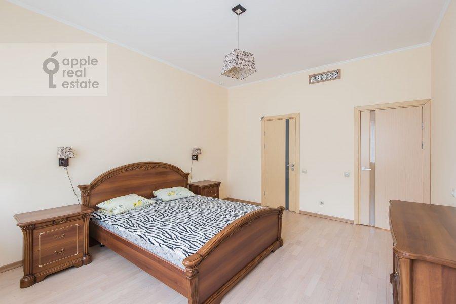 Bedroom of the 3-room apartment at ulitsa Marshala Biryuzova 31