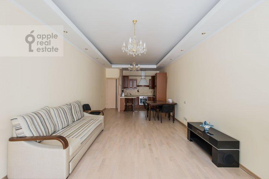 Гостиная в 3-комнатной квартире по адресу улица Маршала Бирюзова 31