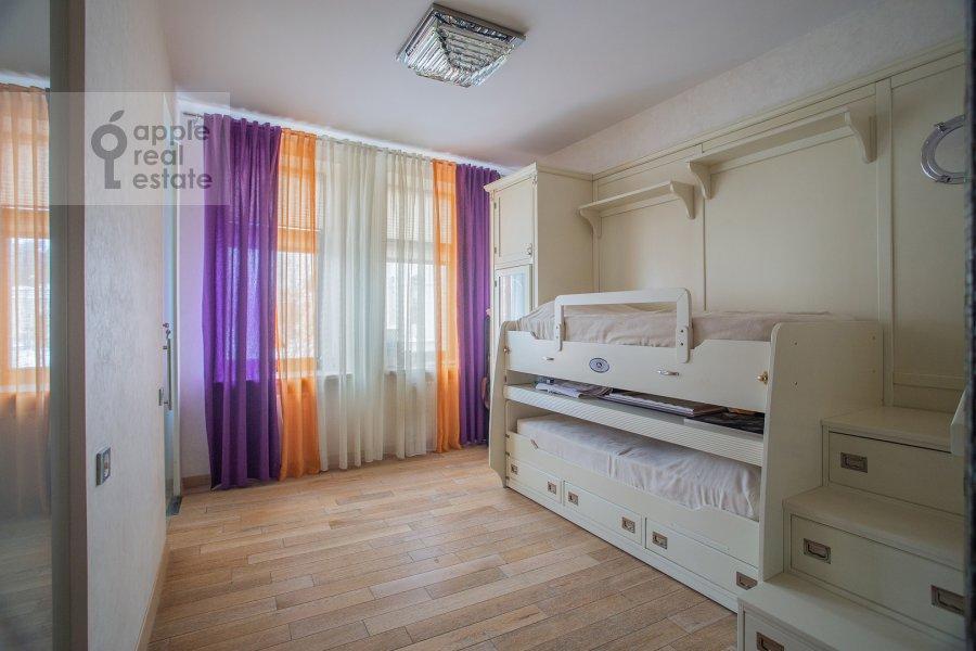Детская комната / Кабинет в 3-комнатной квартире по адресу Лялин переулок 19к1