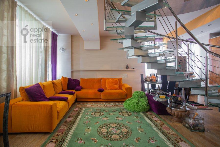 Гостиная в 3-комнатной квартире по адресу Лялин переулок 19к1