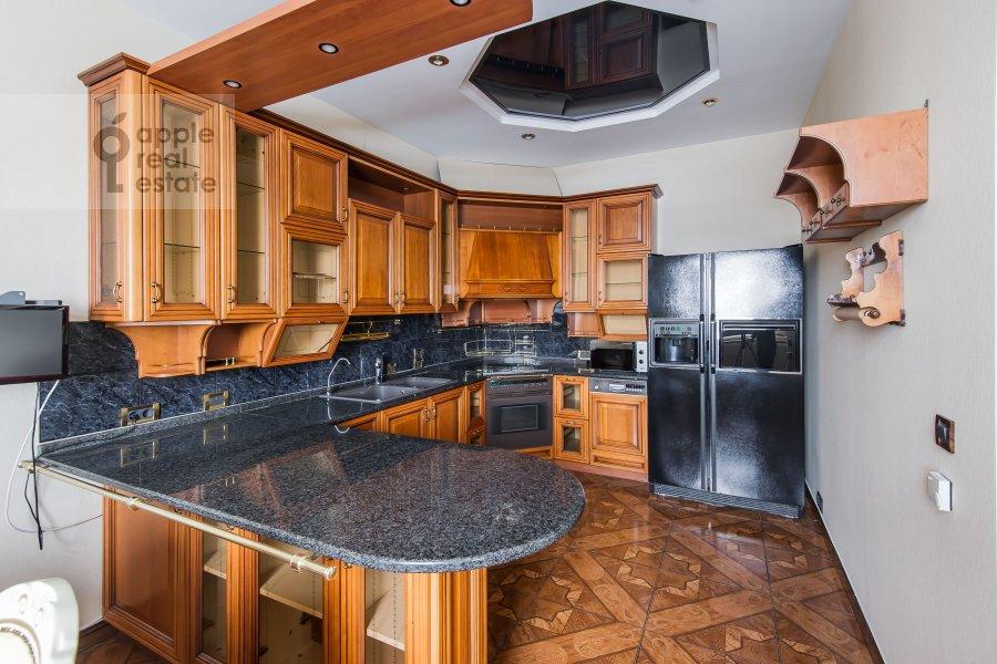 Kitchen of the 4-room apartment at Frunzenskaya naberezhnaya 36/2