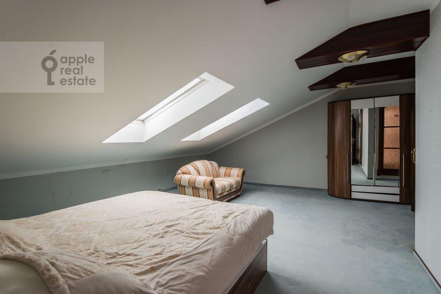 Bedroom of the 4-room apartment at Frunzenskaya naberezhnaya 36/2