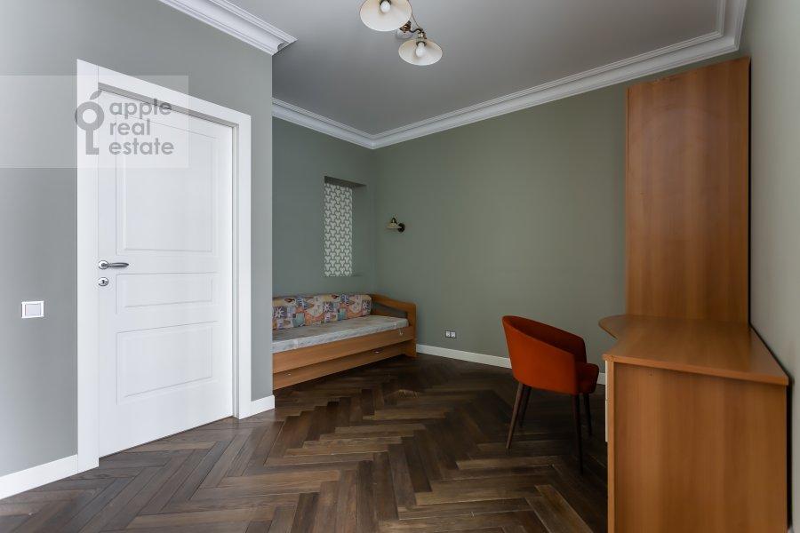 Children's room / Cabinet of the 4-room apartment at Beregovaya ulitsa 4K1