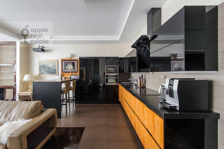 Кухня в 4-комнатной квартире по адресу Ленинградское шоссе 37к1