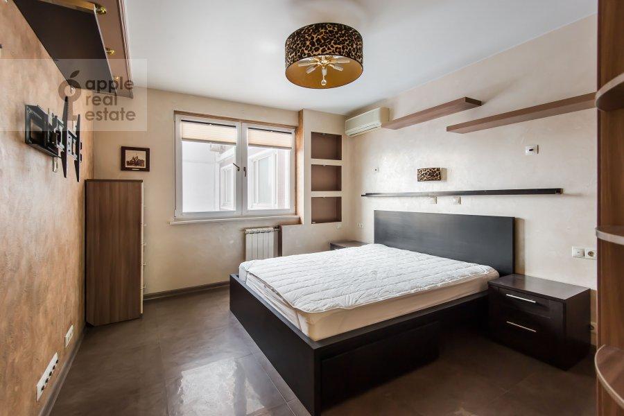 Bedroom of the 3-room apartment at Sergiya Radonezhskogo 12k1