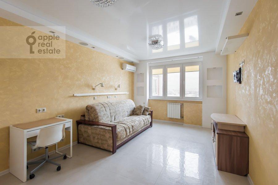 Living room of the 3-room apartment at Sergiya Radonezhskogo 12k1