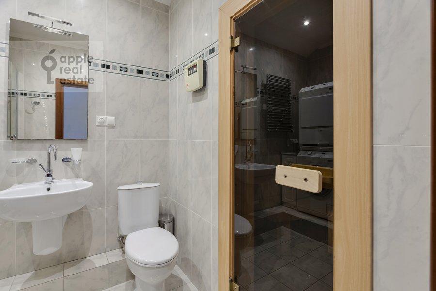 Санузел в 5-комнатной квартире по адресу Рублевское шоссе 11к2
