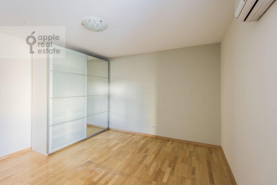 Спальня в 6-комнатной квартире по адресу Последний переулок 21