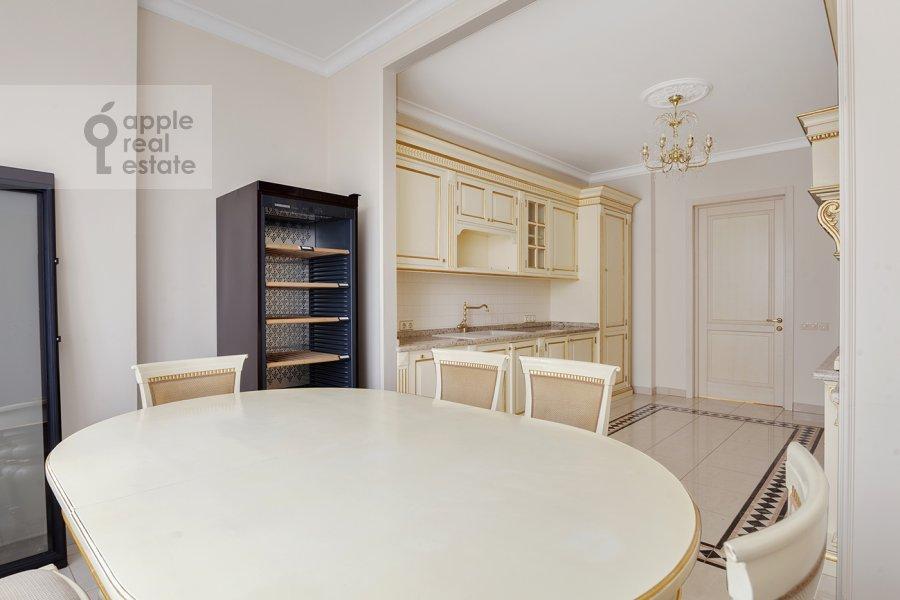 Kitchen of the 5-room apartment at Mosfil'movskaya ulitsa 70k7