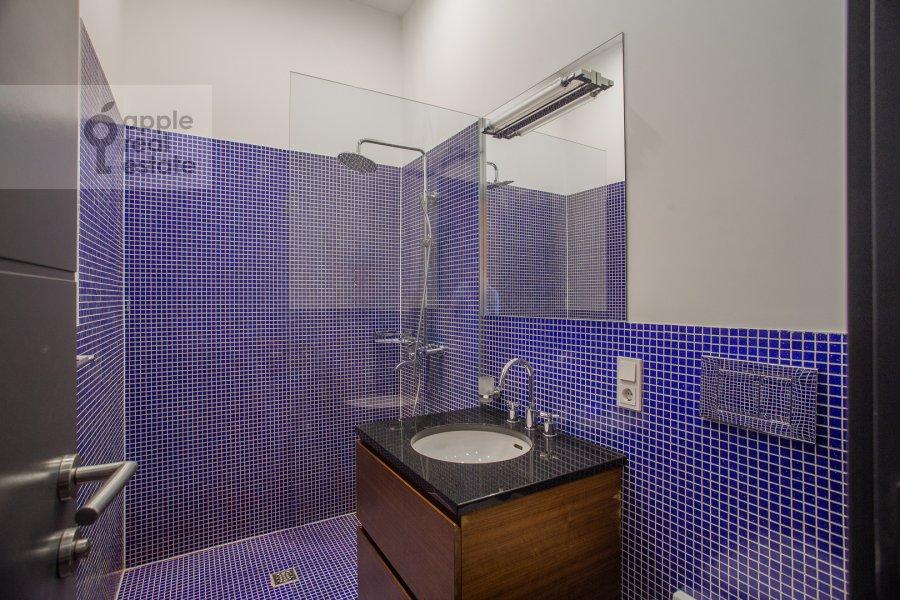 Bathroom of the 2-room apartment at Myasnitskaya ulitsa 24/7s3