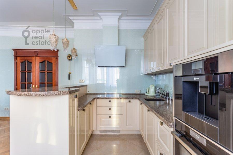Кухня в 3-комнатной квартире по адресу Старослободская улица 3