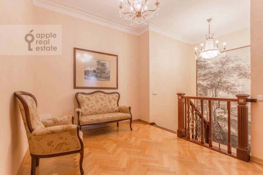 Corridor of the 3-room apartment at Staroslobodskaya ulitsa 3