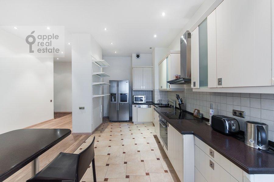 Кухня в 4-комнатной квартире по адресу Крылатские Холмы 33к1