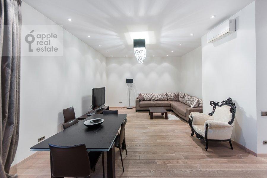 Гостиная в 4-комнатной квартире по адресу Крылатские Холмы 33к1