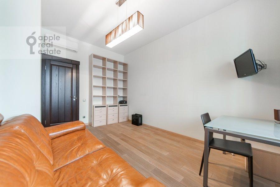 Детская комната / Кабинет в 4-комнатной квартире по адресу Крылатские Холмы 33к1