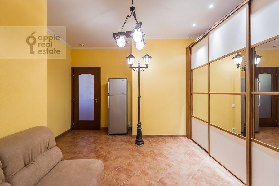 Corridor of the 3-room apartment at Koshtoyantsa 20K2