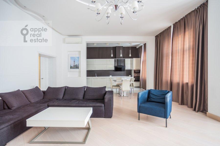 Гостиная в 4-комнатной квартире по адресу Большой Сергиевский переулок 5