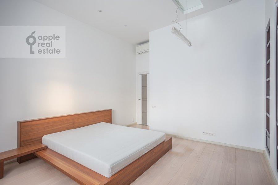 Спальня в 4-комнатной квартире по адресу Большой Сергиевский переулок 5