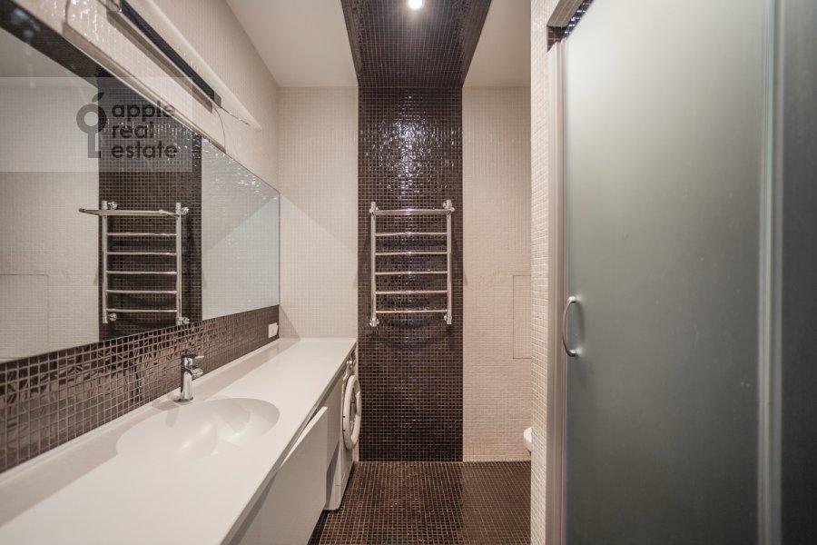Санузел в 4-комнатной квартире по адресу Большой Сергиевский переулок 5