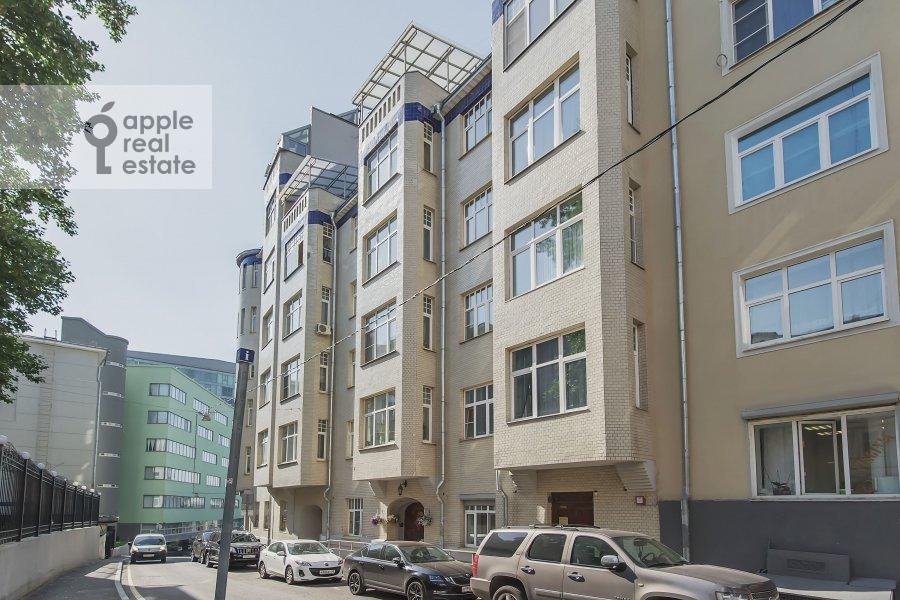 Фото дома 4-комнатной квартиры по адресу Большой Сергиевский переулок 5