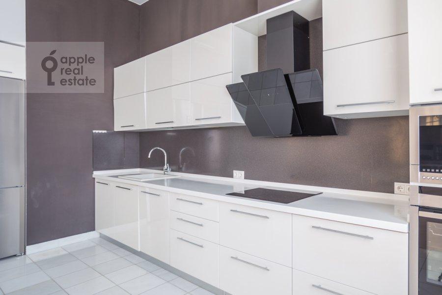 Кухня в 4-комнатной квартире по адресу Большой Сергиевский переулок 5