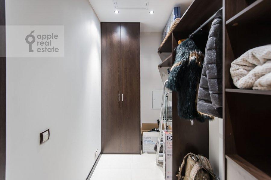 Walk-in closet / Laundry room / Storage room of the 3-room apartment at Bol'shaya Yakimanka 50