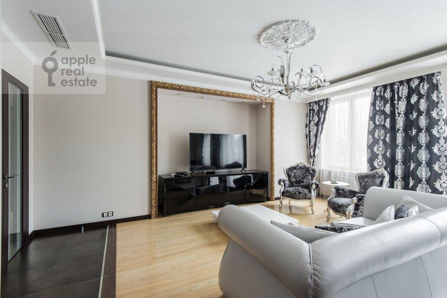 Living room of the 3-room apartment at Bol'shaya Yakimanka 50