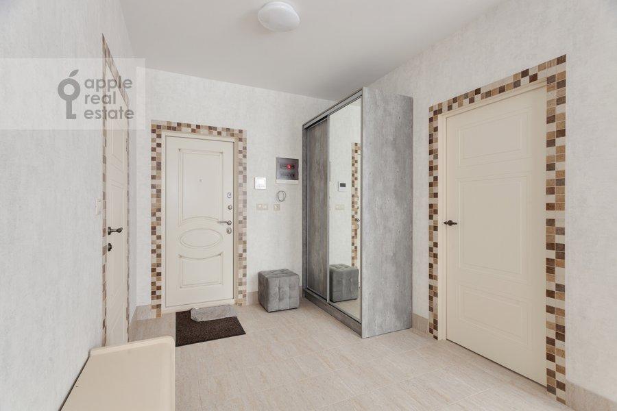 Коридор в 3-комнатной квартире по адресу Конюхова 9