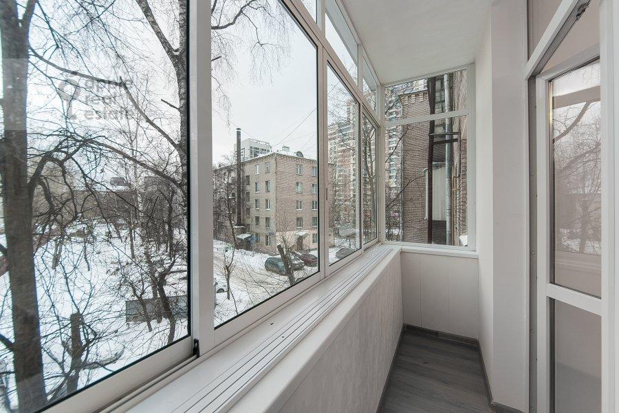 Balcony / Terrace / Loggia of the 3-room apartment at ulitsa Dobrolyubova 29/16