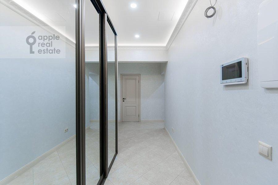 Corridor of the 3-room apartment at ulitsa Dobrolyubova 29/16