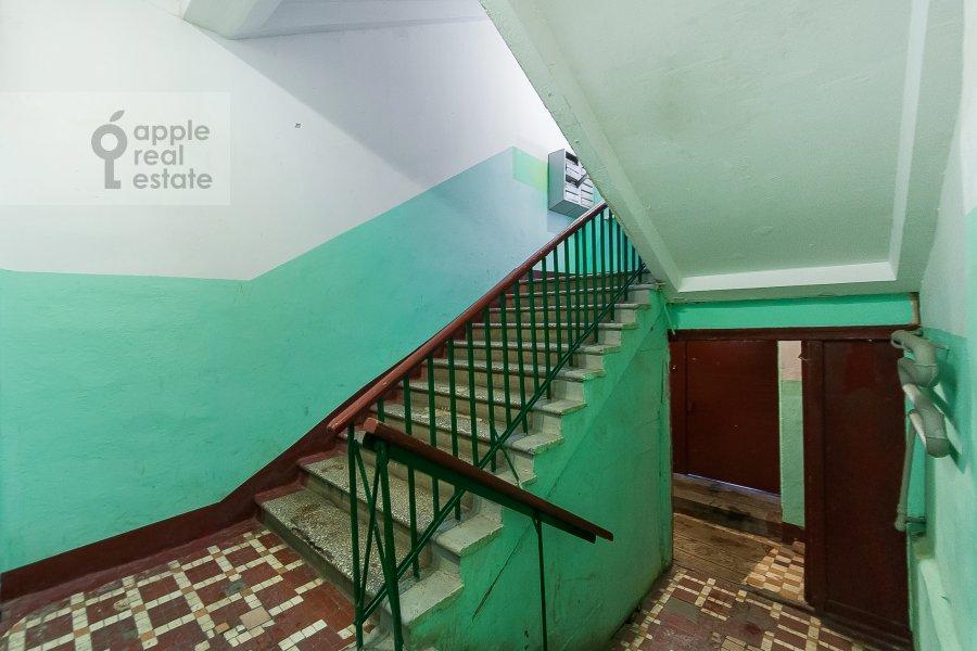 Photo of the house of the 3-room apartment at ulitsa Dobrolyubova 29/16