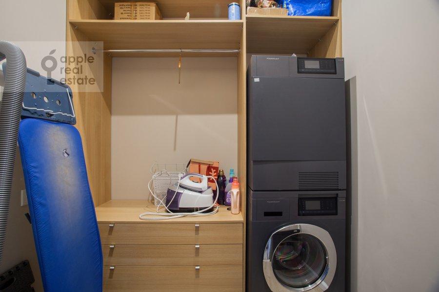 Гардеробная комната / Постирочная комната / Кладовая комната в 2-комнатной квартире по адресу Шелепихинская набережная 34к1