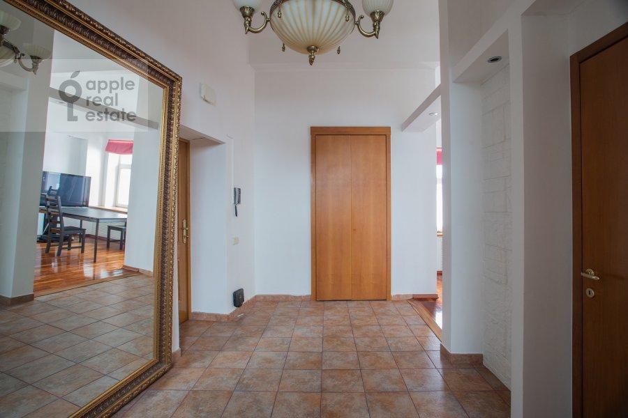 Corridor of the 5-room apartment at Trubnaya ulitsa 22/1