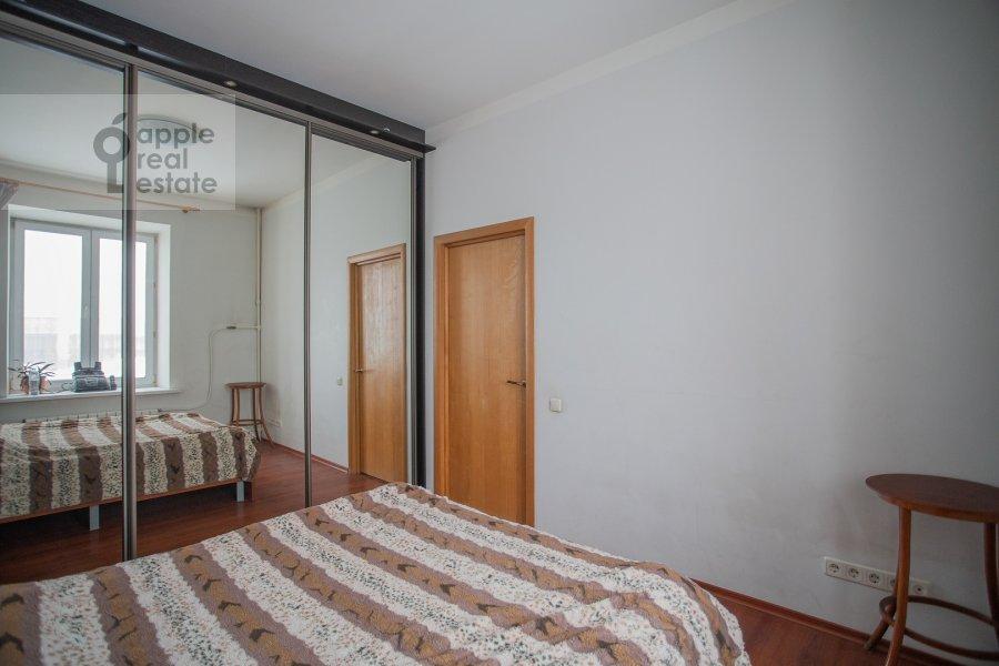 Bedroom of the 2-room apartment at Gruzinskiy val 26k1