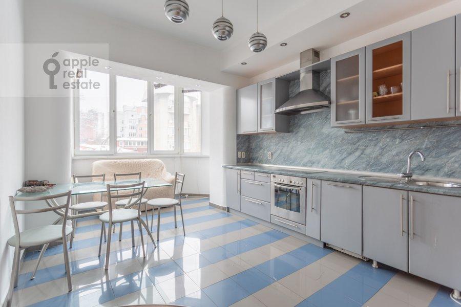 Кухня в 2-комнатной квартире по адресу Наставнический переулок 6