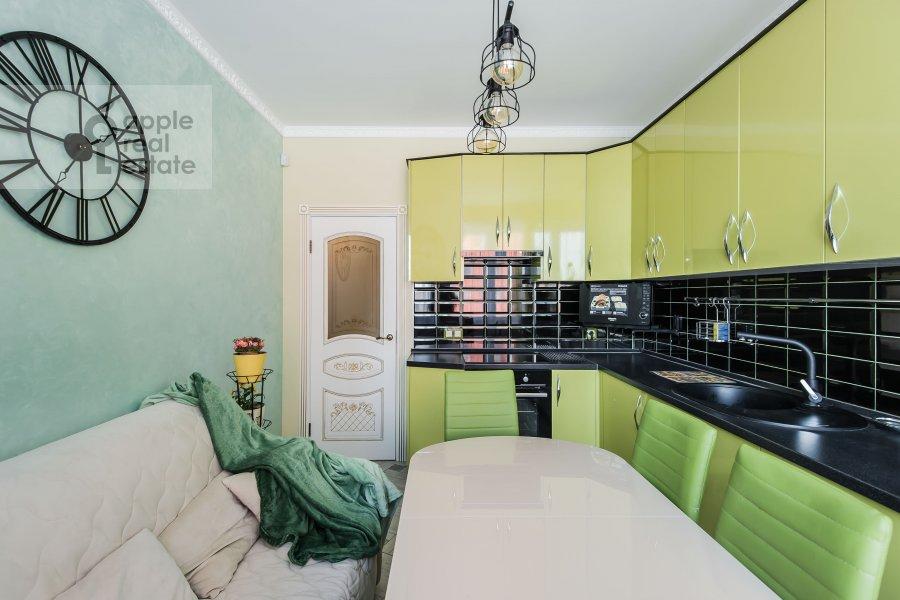 Kitchen of the 3-room apartment at Avtozavodskaya ulitsa 23Bk2