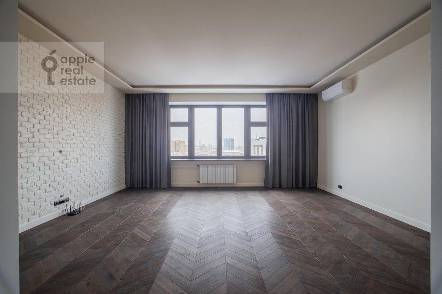 Гостиная в 4-комнатной квартире по адресу Спиридоновка 18
