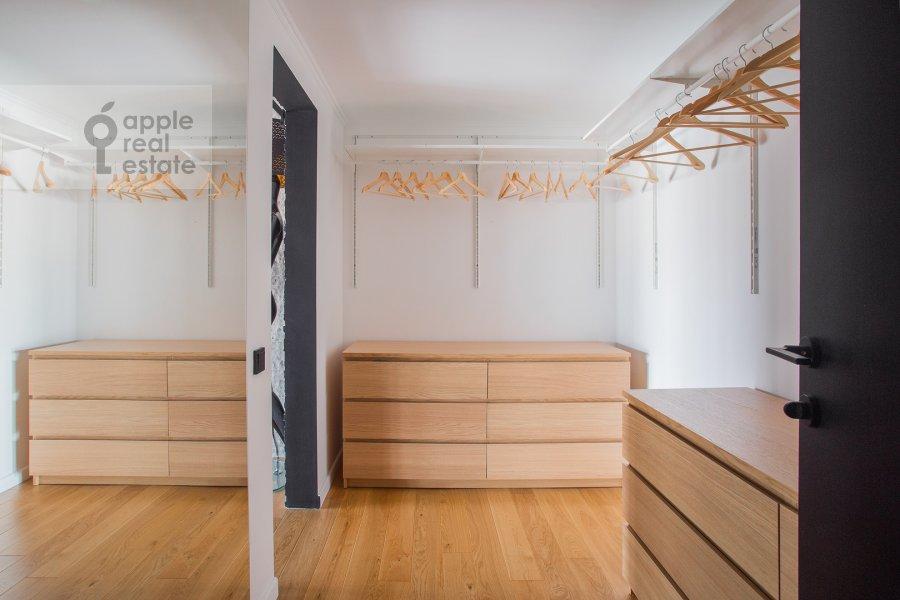 Walk-in closet / Laundry room / Storage room of the studio apartment at 2-y Paveletskiy proezd 5S1