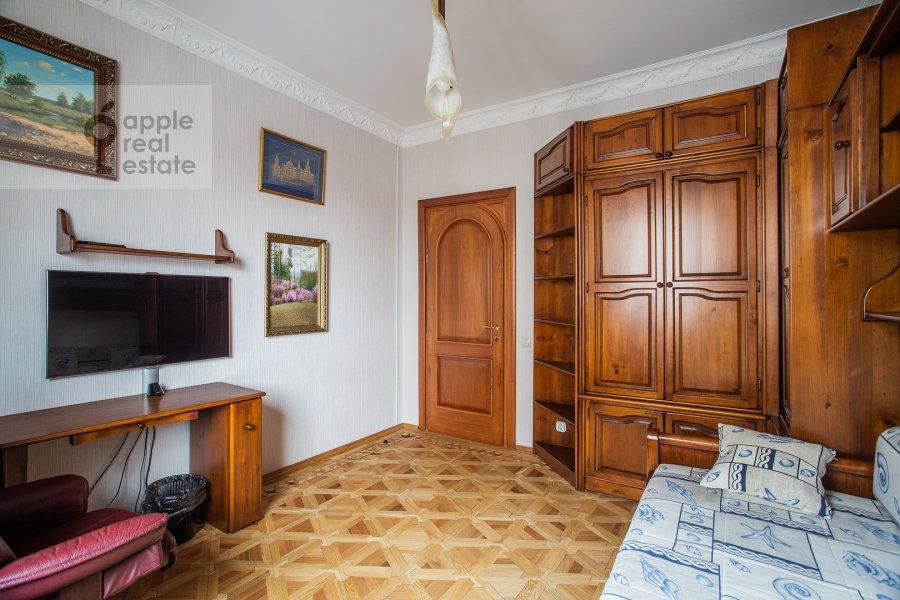 Детская комната / Кабинет в 4-комнатной квартире по адресу Курсовой переулок 6/1