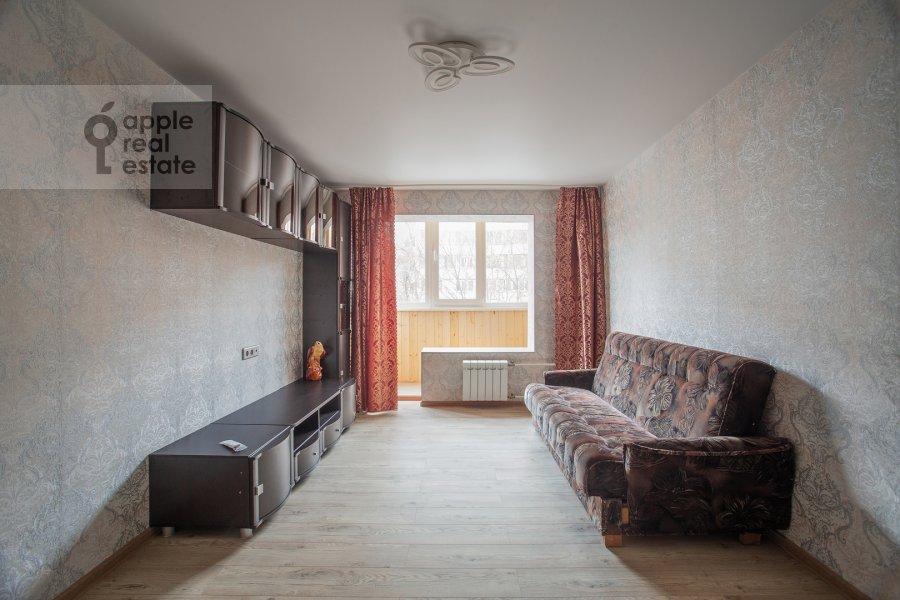 Living room of the 2-room apartment at Akademika Pavlova 21k1