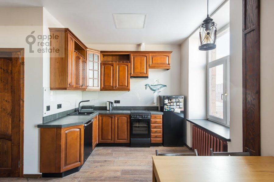 Кухня в 3-комнатной квартире по адресу Автозаводская ул 5