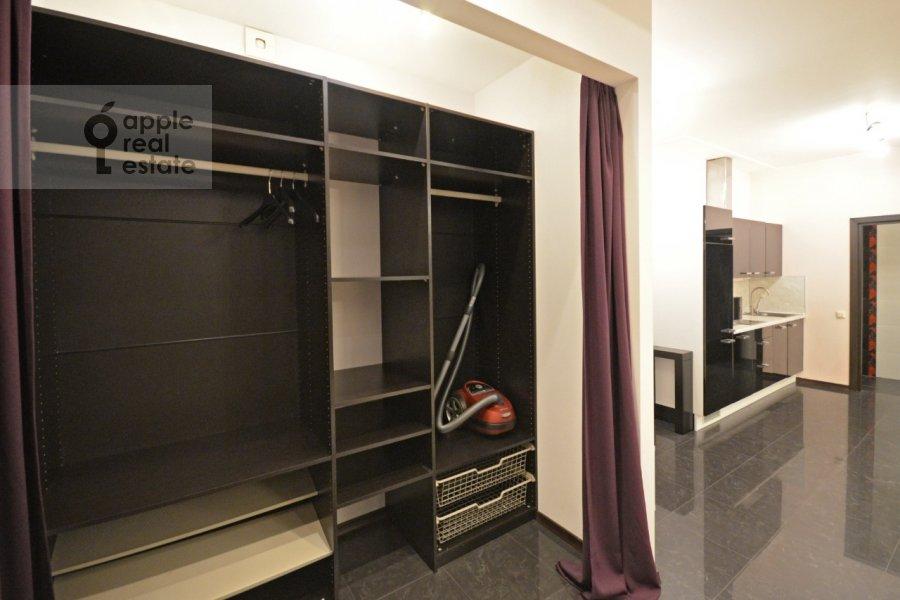 Гардеробная комната / Постирочная комната / Кладовая комната в 2-комнатной квартире по адресу Ломоносовский проспект 25к2